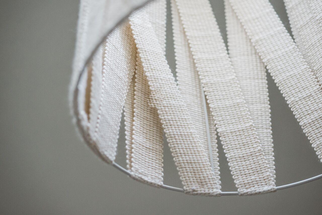 Paralume in fascia di lana