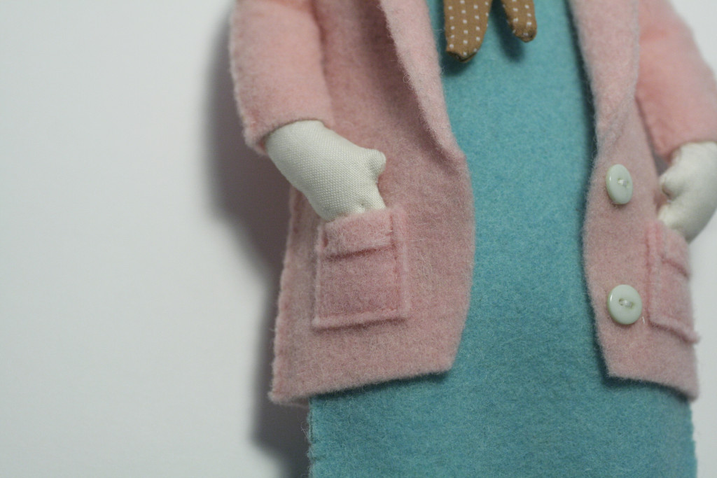 clothes tutorial - camilla doll dress detail
