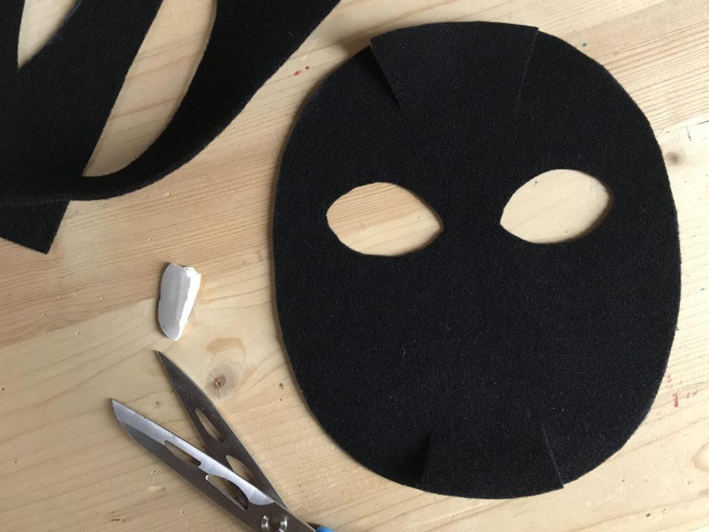 Tutorial felt Black Cat mask - step 2