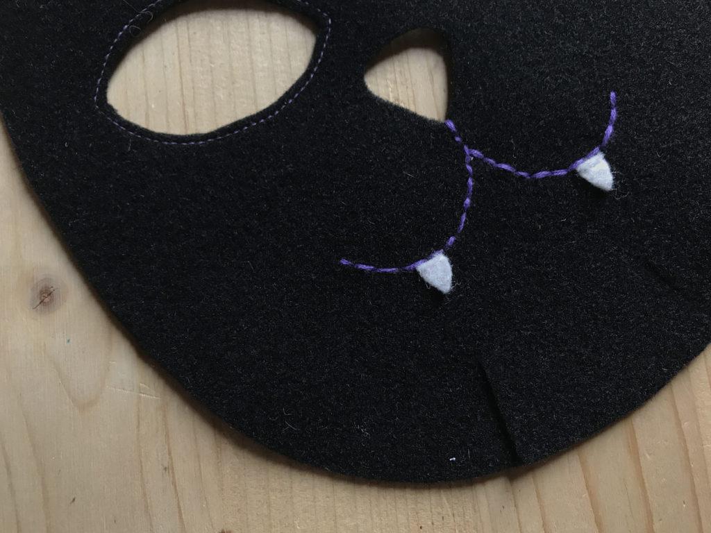 Tutorial felt Black Cat mask - step 6