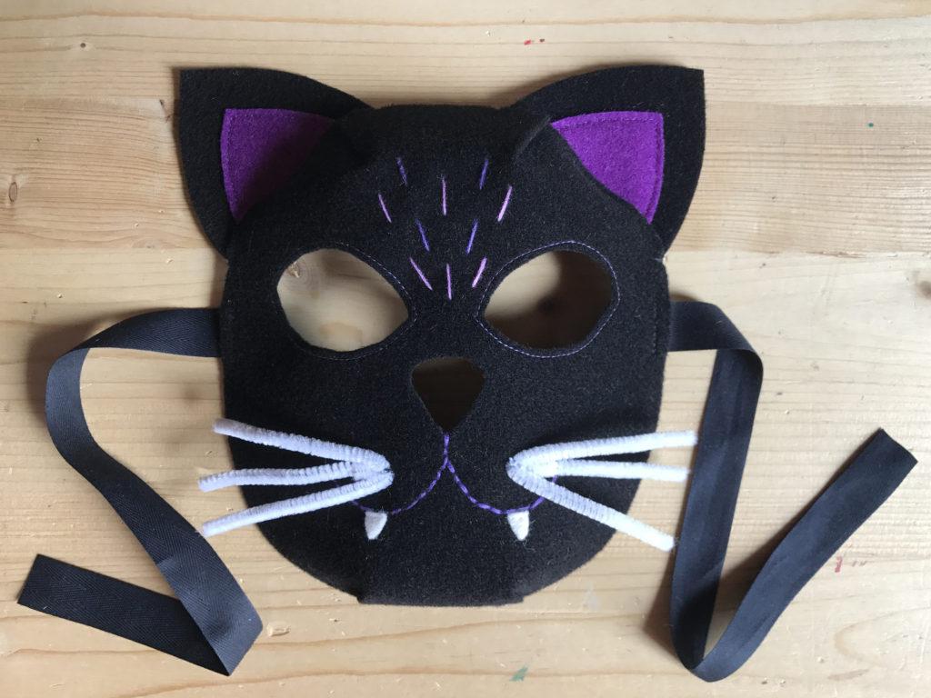 Tutorial felt Black Cat mask - step 13