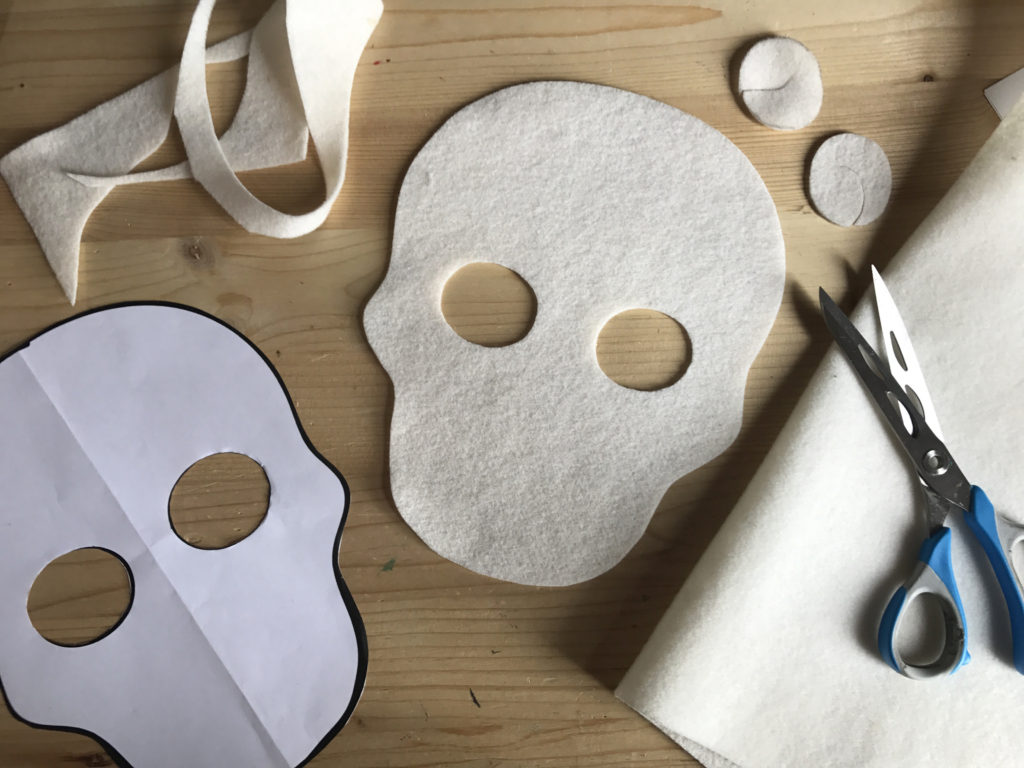 Tutorial felt Mexican Skull mask - step 1