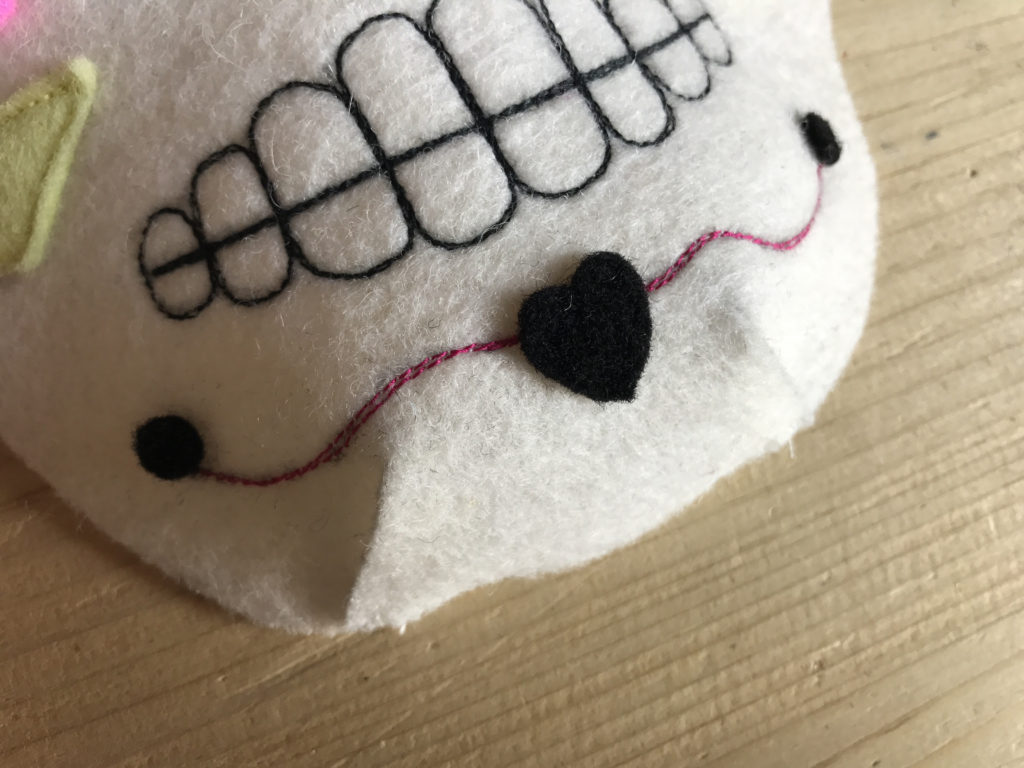 Tutorial felt Mexican Skull mask - step 11