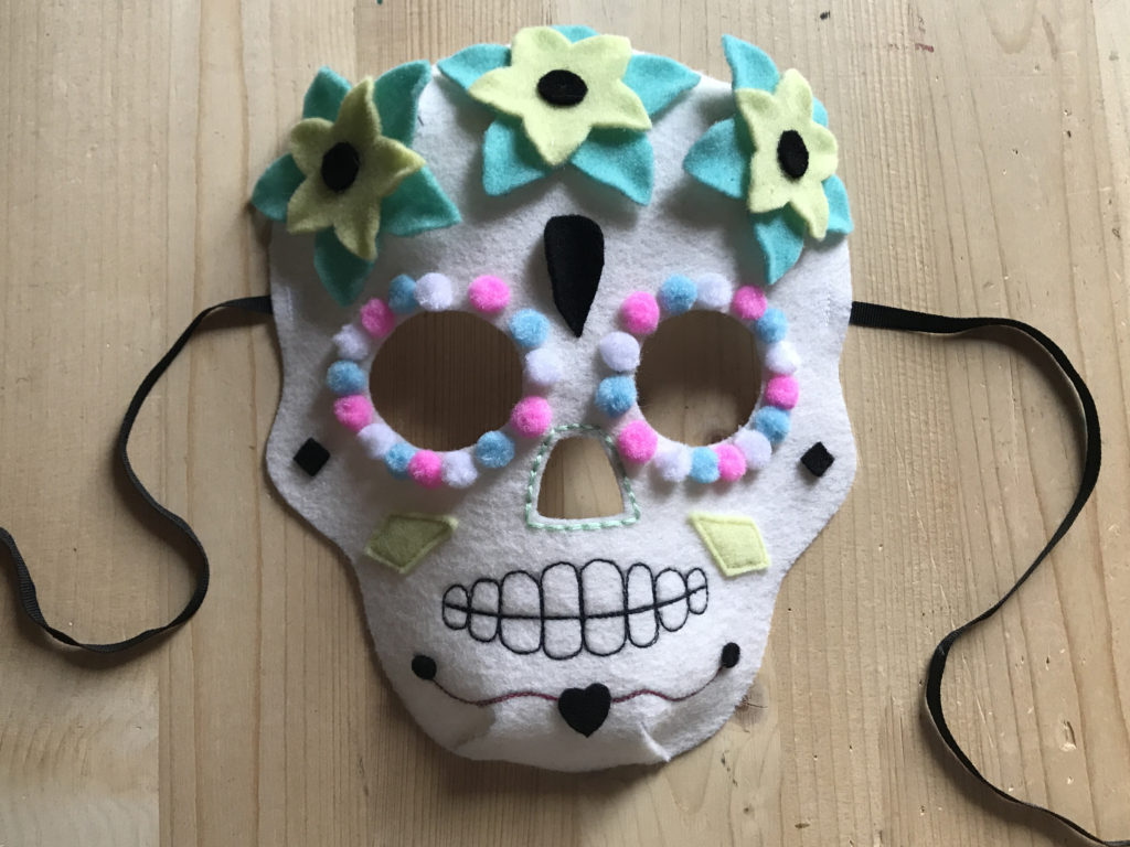 Tutorial felt Mexican Skull mask - step 17