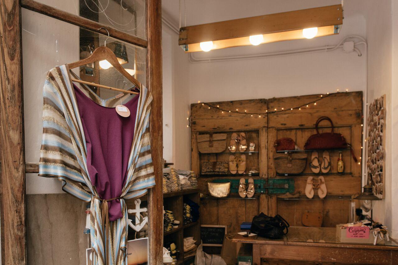 I sandali di Lanpo abbinati alla nostra borsa a rete