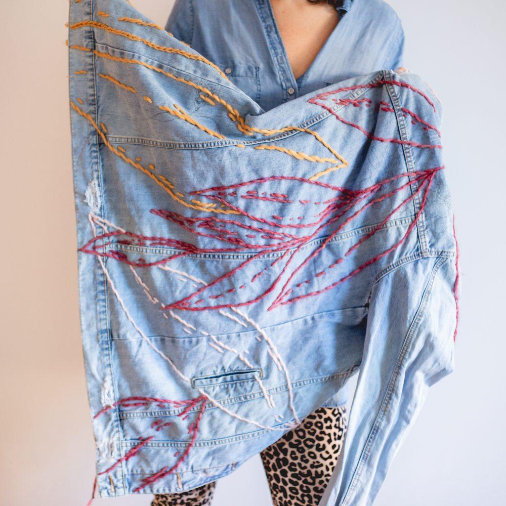 Trini Guzmàn - hand embroidery