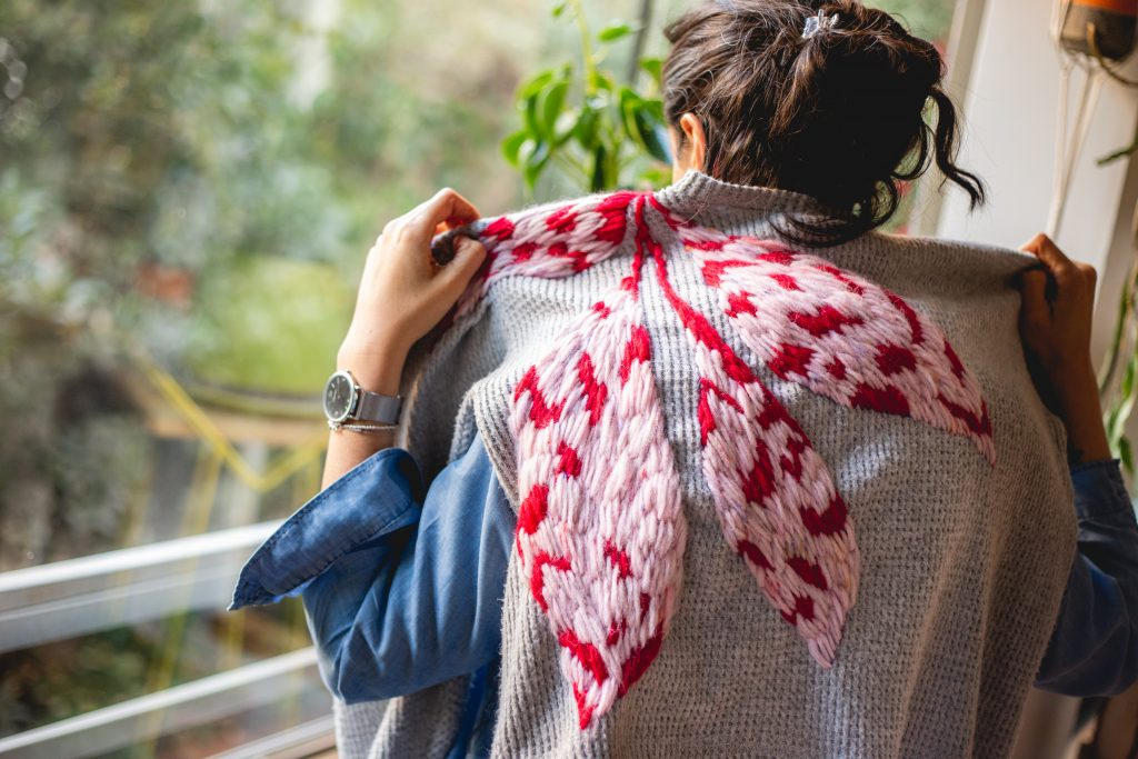 Trini Guzmàn - the embroidery