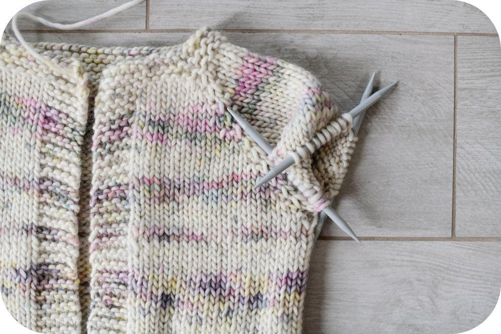 Tutorial how to make a girls' raglan sleeve sweater