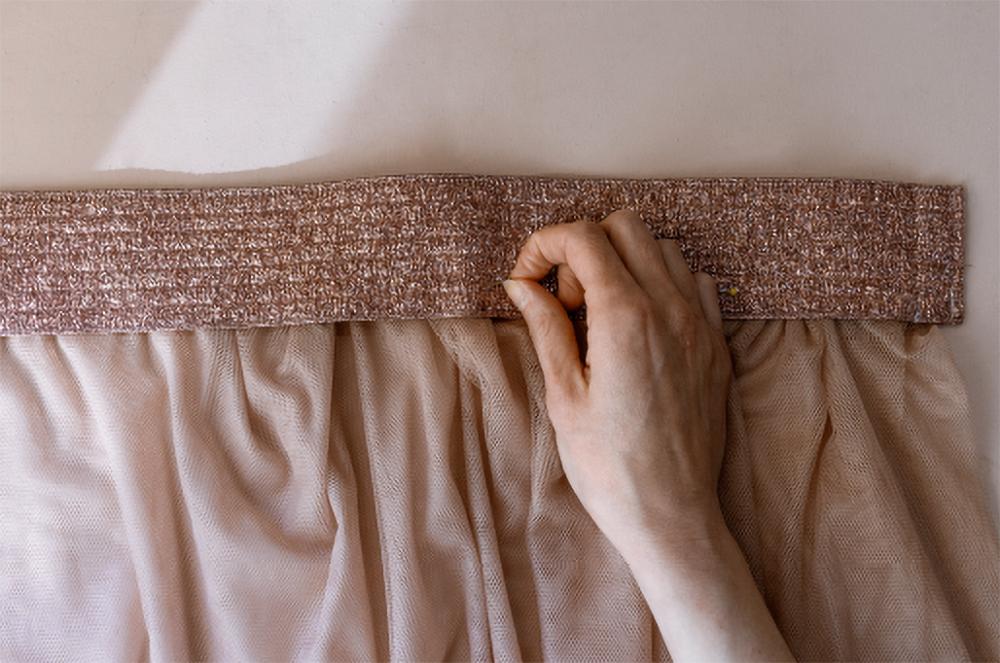 шёлковый тюль, чтобы подарить вторую жизнь прямому платью