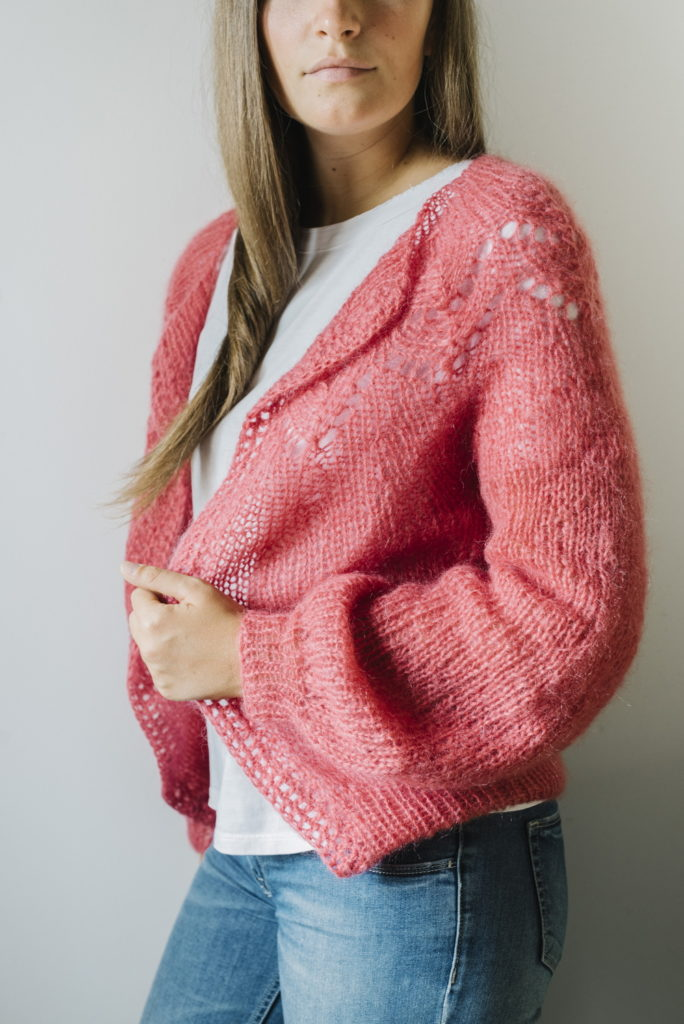 pattern di Knitting For Breakfast per cardigan corto