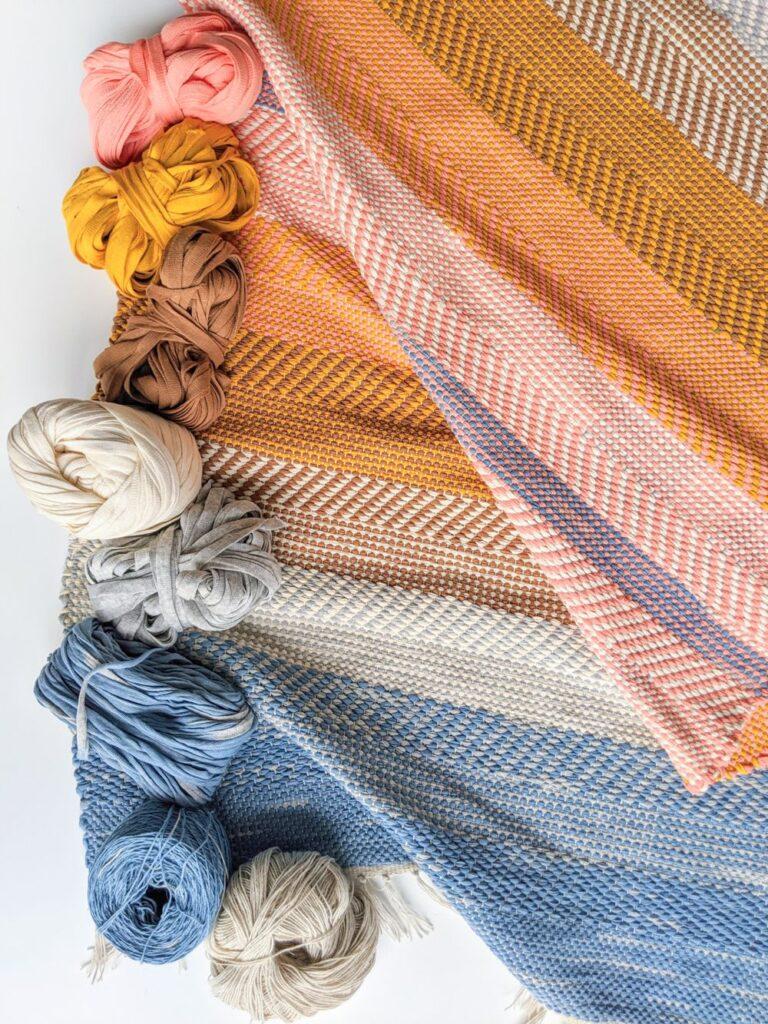 WE GATHER filati in fibre naturali e indaco per un tappeto