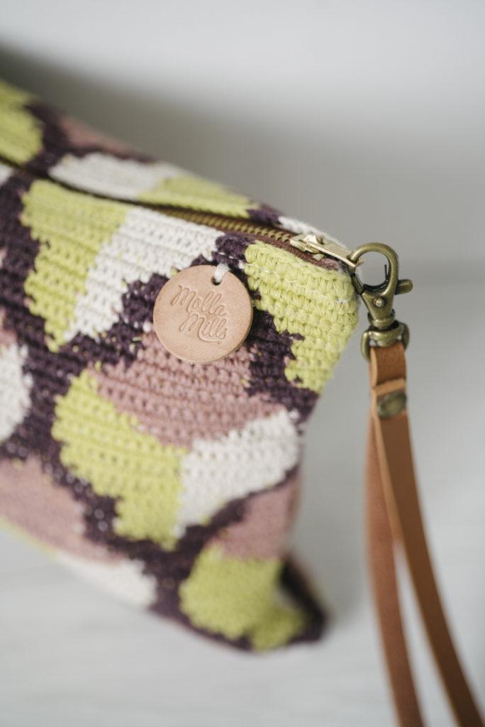 Molla Mills - pattern per pochette uncinetto